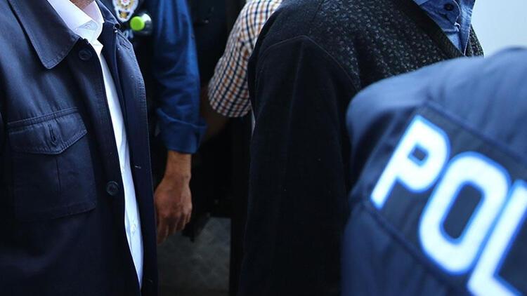 İzmir ve İstanbul'daki FETÖ operasyonlarında 159 tutuklama kararı