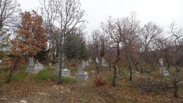 Yaşlı kadını öldüresiye dövmüşler Valilikten açıklama geldi, mezarı açıldı...