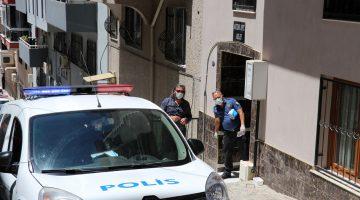 İzmir'de kızını boğarak öldürdüğünü söyleyen anne polise teslim oldu