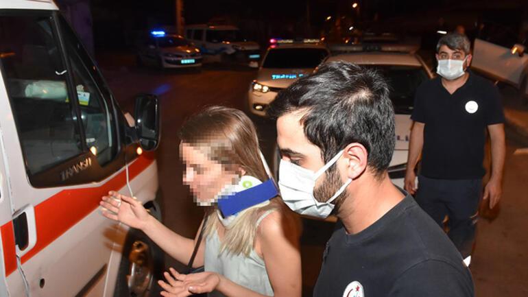 İzmirde inanılmaz anlar Otomobilini polislerin üzerine sürdü... Ortalığı birbirine kattı