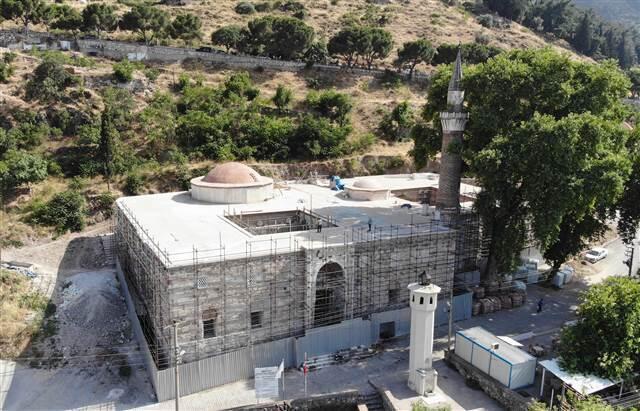 Manisa'da restorasyonda ortaya çıktı: Bizans sütunlarını sıvamışlar