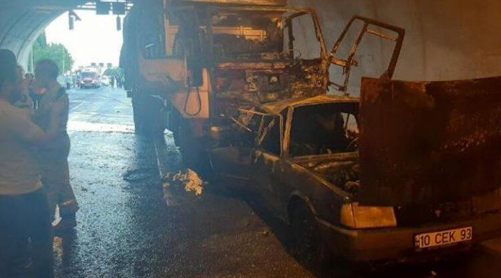 İzmir-Aydın Otoyolu'nda feci kaza! Otomobil alev aldı: 4 ölü, 2 yaralı
