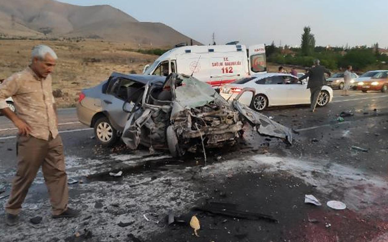 Malatya Çığlık Mahallesi mevkiinde kaza! Otomobiller çarpıştı: 1 ölü 2 ağır yaralı var
