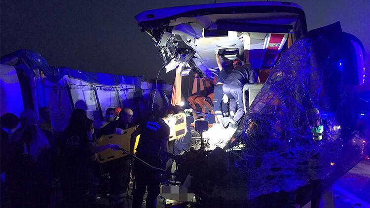 Manisa'da otobüs faciası! 9 kişi öldü, 30 yaralı var
