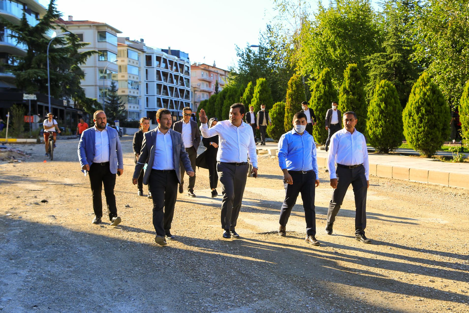 Uşak Belediye Başkanı Sayın Mehmet Çakın Atapark'ta İncelemelerde Bulundu