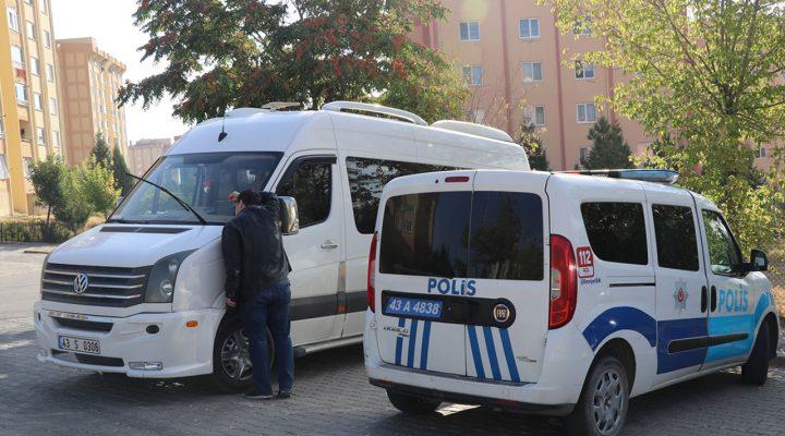 Olay yeri Kütahya! Karantina kararını ihlal eden öğrenci servisi şoförü hakkında işlem yapıldı
